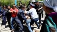 Полицейские Нур-Султана огородили правительственные здания после акции многодетных матерей (видео)