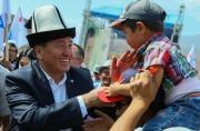 Сооронбай Жээнбеков: Если я стану президентом, то моей семьей станет мой многонациональный народ Кыргызстана!