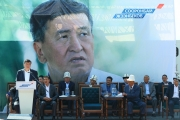 Сооронбай Жээнбеков: Для меня были, останутся самыми приоритетными сферы образования и здравоохранения