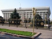 Сегодня Сооронбай Жээнбеков представит парламенту изменения в структуре правительства