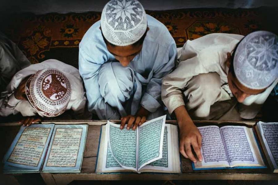 В Кыргызстане религиозные вузы могут обязать преподавать и светские предметы - VESTI.KG - Новости Кыргызстана