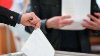 К полудню на референдуме проголосовало почти 13 процентов избирателей