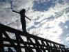 Психически нездоровой женщине помешали спрыгнуть с моста