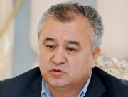 Экс-коллега Текебаева подтверждает, что не так давно лидер «Ата Мекен» и вправду еще жил скромно