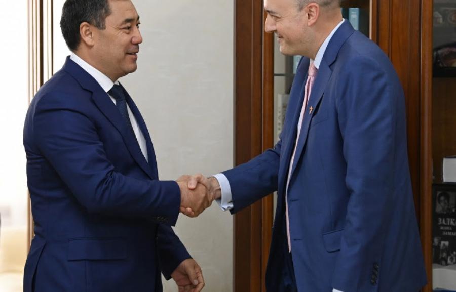 Садыр Жапаров принял главу медиакорпорации «Радио Свобода» Джейми Флая