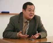 Протащенную Текебаевым Конституцию необходимо изменить, считает политолог Казакпаев