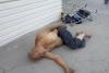Лежащий у ворот Чуйской областной больницы бомж отказался от госпитализации