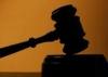 Суд отказался заключать под стражу милиционеров, обвиняемых в пытках