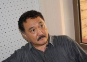 Нужно проверять доходы каждого чиновника от президента до главы айыл окмоту, - Бакетаев