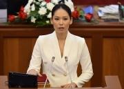 Лунара Мамытова не хочет умирать за депутатское кресло