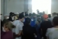 В Бишкеке в районе ТЭЦ выстроилась огромная очередь в аптеку (видео)