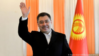 Садыр Жапаров поздравил председателя КНР Си Цзиньпина с днем рождения