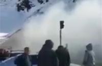 На перевале Тоо-Ашуу загорелся бензовоз (видео)