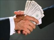 Один из руководителей ОВД задержан за вымогательство 1000 долларов