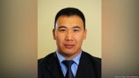 «Дамир Мусакеев, продемонстрировав имущество, «передал очередь» Райыму Матраимову»