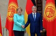 Донецк и Луганск – одна из тем встречи Атамбаева и Меркель