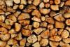 Остро нуждающимся горожанам бесплатно раздадут дрова