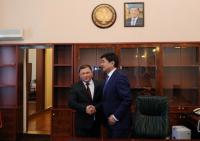 Мухаммедкалый Абылгазиев поблагодарил парламент и Дастанбека Джумабекова за «поддержку инициатив правительства»