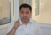 Садыр Жапаров около года отказывался освобождать служебную квартиру