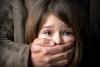 Милиция ищет мужчину, домогавшегося до 9-летней девочки в лифте