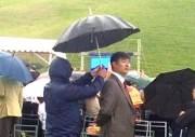 Прокурору Бишкека не простили скандал с зонтом?