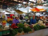 Директоров базаров предлагают обязать повышать культуру торговли
