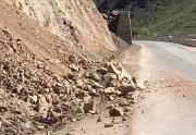 Сегодня продолжился спуск камней в Боомском ущелье