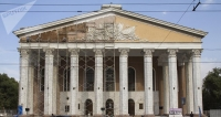 Жээнбеков увидел бишкекские театры и пообещал помочь им с финансированием