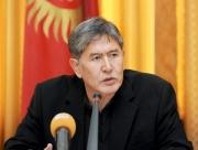 Президент Алмазбек Атамбаев принял министра финансов Адылбека Касымалиева