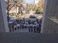 В Бишкеке проходит митинг в поддержку ЦИК (фото)